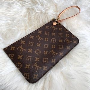 🖤 LOUIS VUITTON Neverfull MM Pouch Wristlet